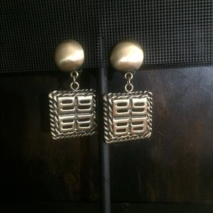 Fashion Matt Gold Dangle Clip on Earrings.